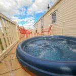 rock-one-rooms-hot-tub-retreat-outside-views